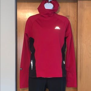Brooks size S red/black hooded running pullover